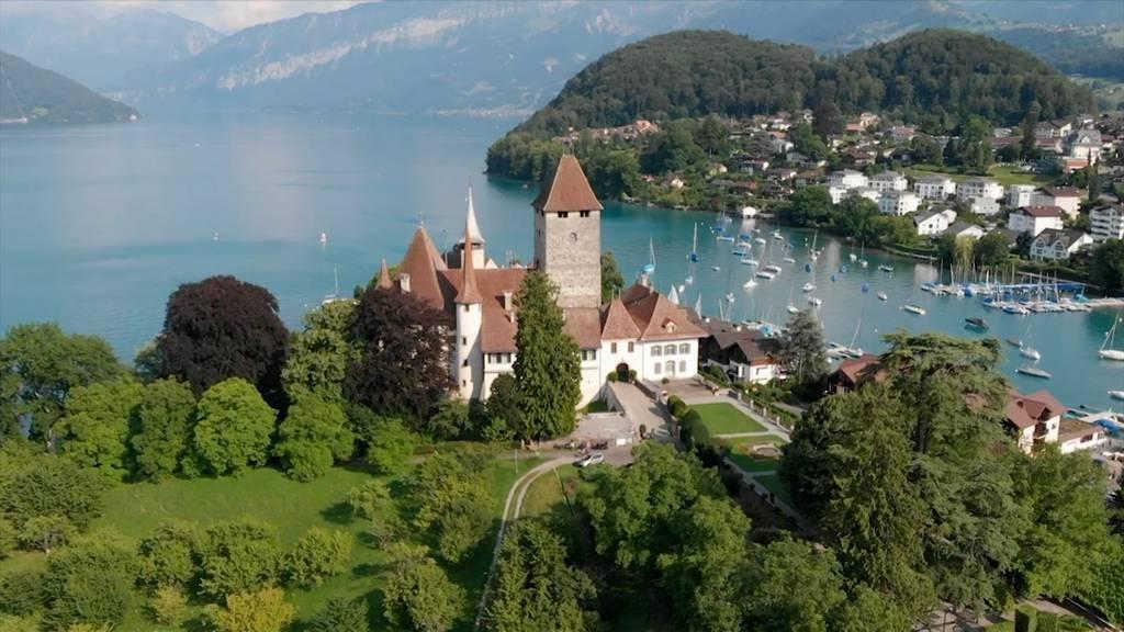 Schloss-Tour am Thunersee / Kalk in der Dusche / Wertverlust bei Immobilien
