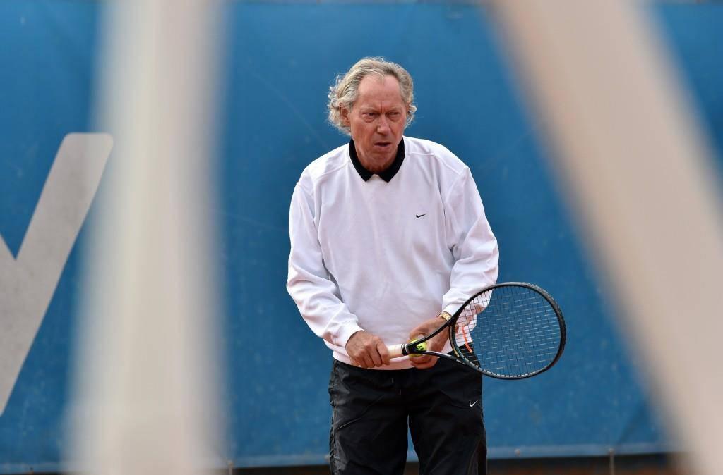In seiner Freizeit spielt Dr. Mang offenbar gerne Tennis