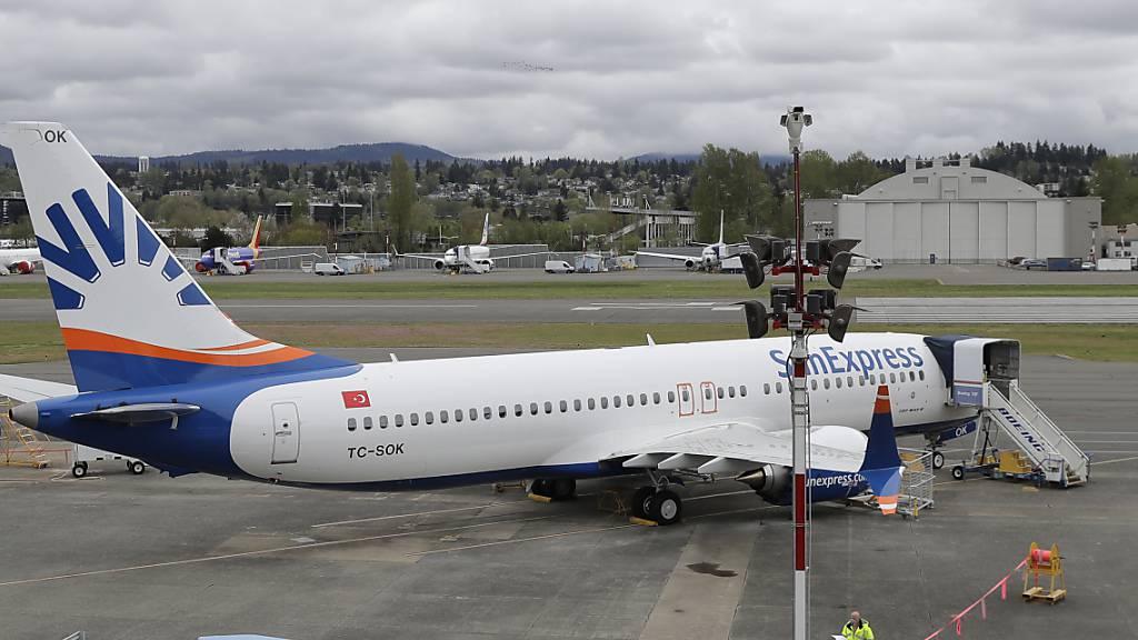 Das Gemeinschaftsunternehmen Sunexpress von Lufthansa und Turkish Airlines stellt nach dem Corona-Einbruch den Flugbetrieb ihrer deutschen Tochter in Kürze ein. Damit wird ein geordneter Liquidationsprozess vorbereitet. (Archivbild)