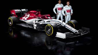 Das neue Auto, der C38, mit dem Kimi Räikkönen (rechts) und Antonio Giovinazzi die Grands Prix bestreiten werden