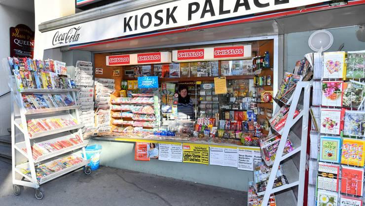 Die Plakätli, die an den Kiosks hingen, fallen künftig weg.