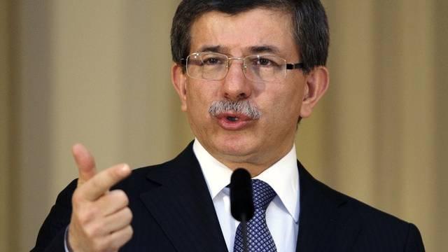 Der türkische Aussenminister Davutoglu sagt, die Türkei wolle mit Israel Frieden schliessen (Archiv)