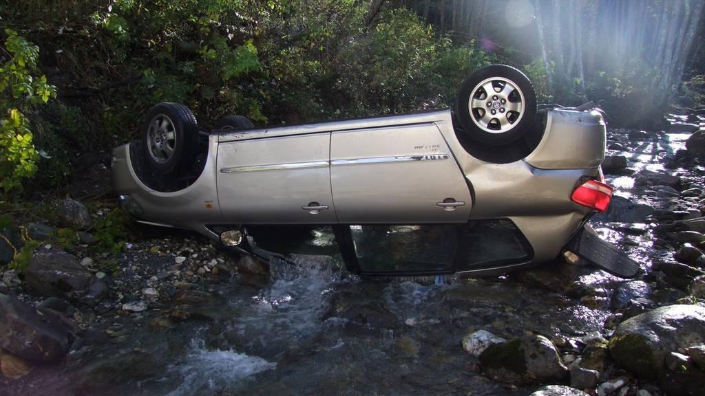 Der Fahrer konnte nur noch tot geborgen werden.