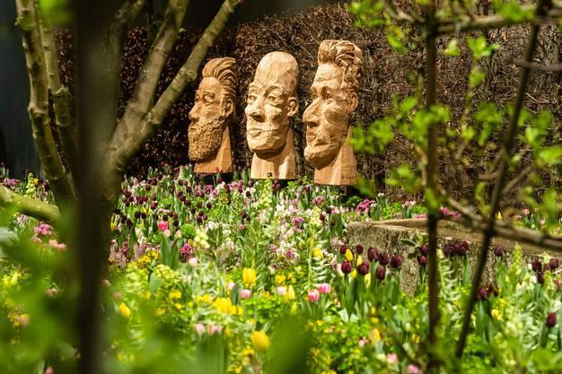 In vielen Showgärten spielen Kunstobjekte eine grosse Rolle. Wie in Parks sollen die Bewohner etwa in diesem Projekt von Trüb für Grün spazieren und immer wieder neue Ecken entdecken.