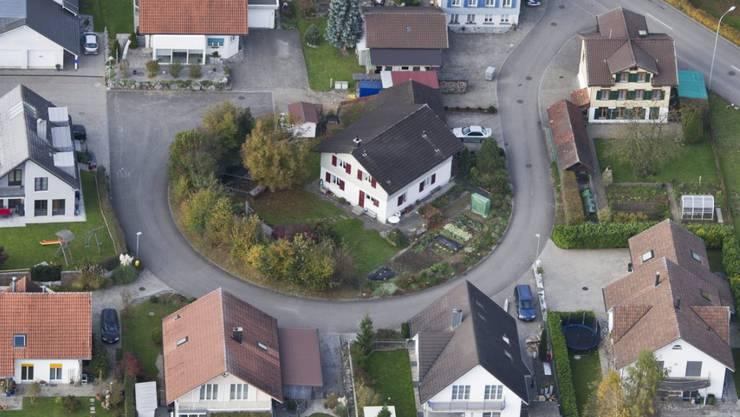 Einfamilienhäuser erlebten 2017 eine Renaissance: In Zürich wechselten  Häuser am schnellsten die Hand, in Genf waren sie am teuersten. (Archiv)