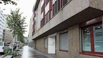 Bewohner der Urdorfer Asylnotunterkunft hielten sich im Oktober im Zürcher Erlenhof in Isolation und Quarantäne auf.