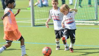 Mit Massnahmen wie den Kids-Camps (hier vom April 2015) versucht der FCB, dem «Relative Age Effect» entgegenzuwirken.