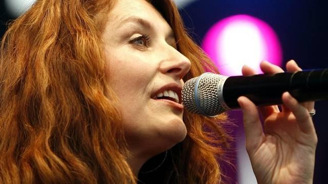 Eine Band ohne Frauen: Sängerin Sina (Archiv)
