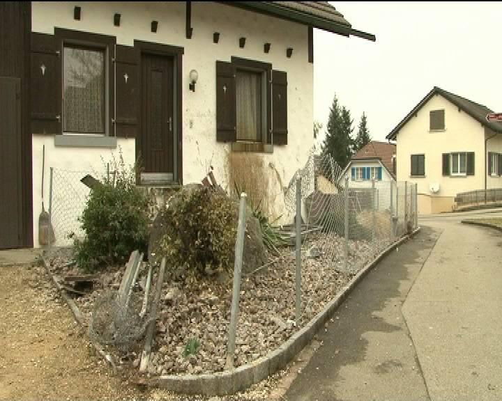 Auto kracht in Haus in Niederrohrdorf