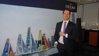 Andreas Leibundgut zeigt das Delma Oceanmaster-Modell.