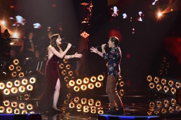 Die Talente im Finale hatten auch einen Auftritt mit ihrem Coach. Der 21-Jährige sang deshalb auch mit Yvonne Catterfeld.