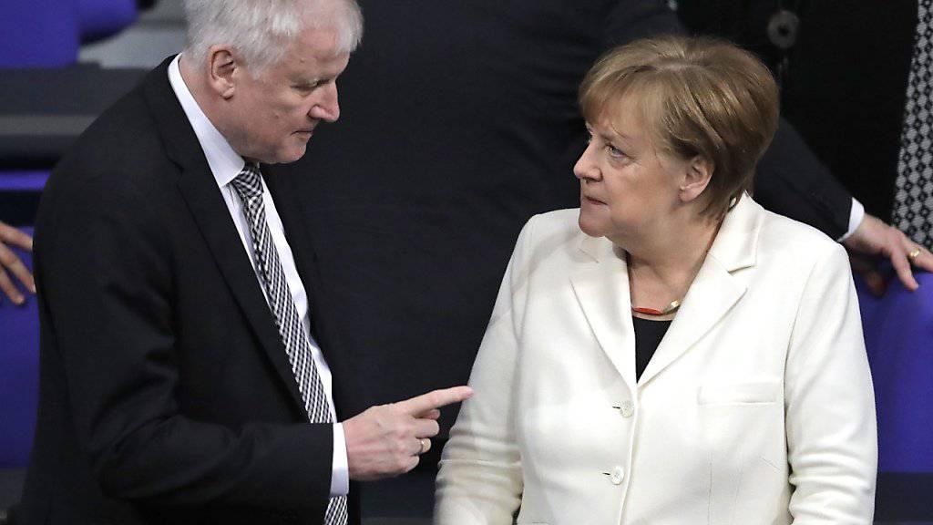 Die deutsche Kanzlerin Angela Merkel lässt sich im Asylstreit den Weg nicht von Innenminister Horst Seehofer aufzwingen.