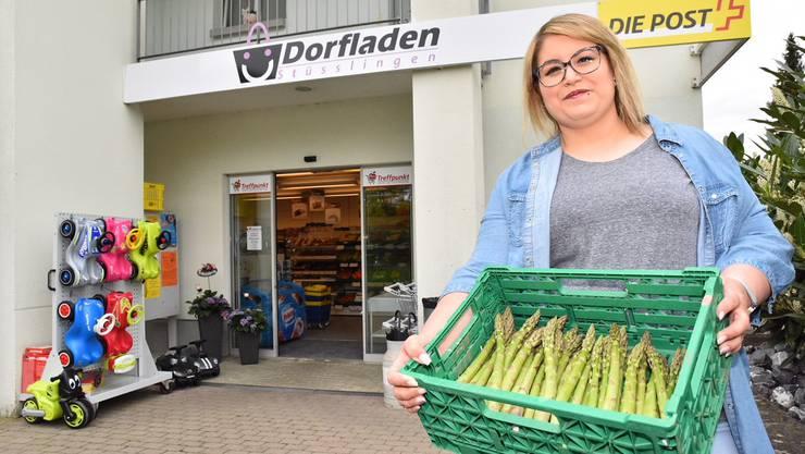 Nicole Leuzinger und ihr Team führen den Dorfladen in Stüsslingen jetzt auf eigene Faust und setzen dabei vor allem auf Produkte aus der Region. Der Neustart verlief vielversprechend.