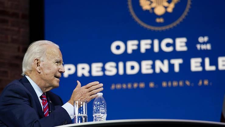 Joe Biden, Gewählter Präsident (President-elect) der USA, nimmt an einer Videoschalte im Queen Theatre teil. Foto: Carolyn Kaster/AP/dpa
