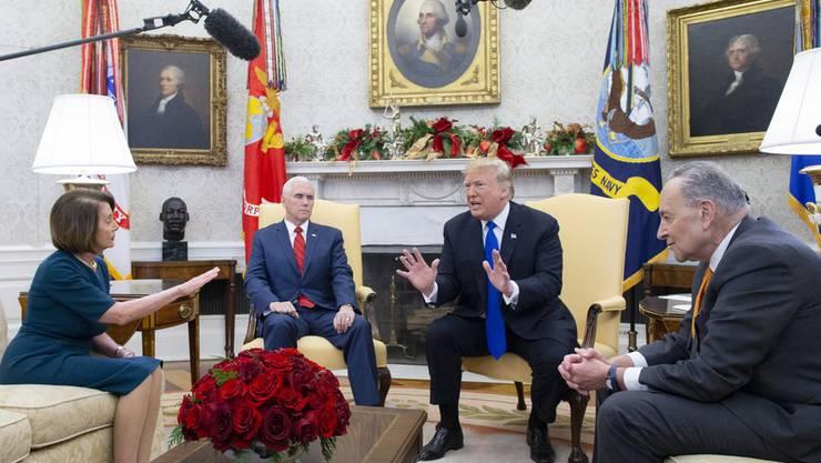 Verhärtete Fronten – Demokratin Pelosi, Vizepräsident Pence, Präsident Trump und Demokrat Schumer