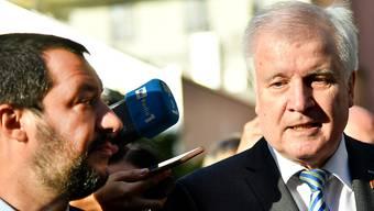 In der Flüchtlings- und Migrationspolitik fühlt sich der deutsche Innenminister Seehofer (rechts) seinem italienischen Amtskollegen Salvini näher als seiner Chefin, Bundeskanzlerin Merkel.