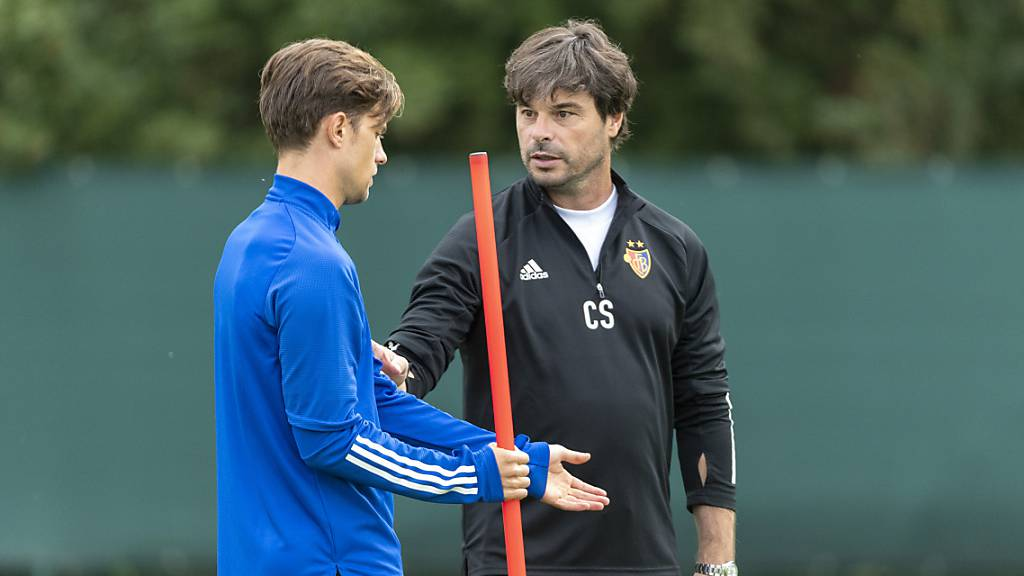 Reden nicht mehr viel miteinander: Trainer Ciriaco Sforza (rechts) und der suspendierte Ex-Captain Valentin Stocker