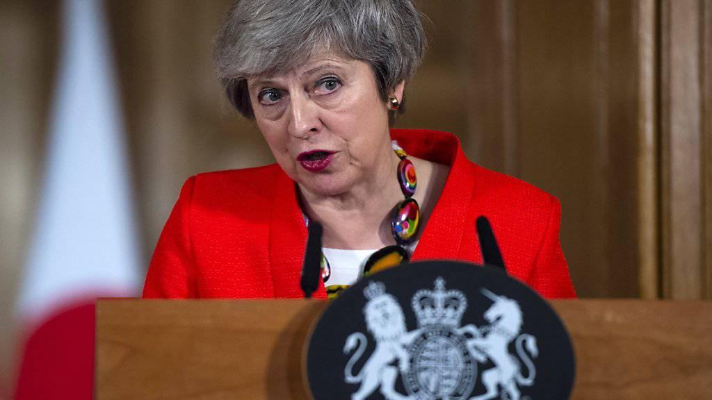 «Es ist Zeit, die Spielchen zu vergessen»: die britische Premierministerin Theresa May. (Archivbild)