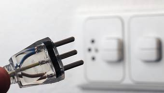 Transparenz beim Strommix: Fast zwei Drittel des Stroms in Schweizer Steckdosen stammt aus erneuerbaren Energien. Der Anteil aus neuen erneuerbaren Energien (Sonne, Wind, Biomasse und Kleinwasserkraft) nimmt zu. (Symbolbild)