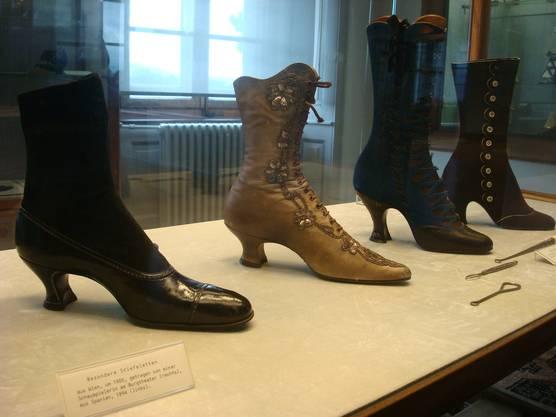 Kunstvolles Schuhwerk