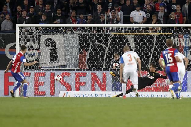 van Wolfswinkel trifft per Penalty.