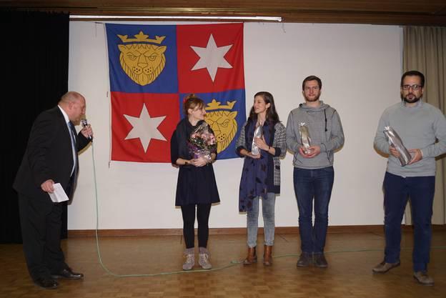 10_Gemeindepräsident Valentin Schmid bedankte sich bei den Verantwortlichen des Neujahrskonzertes