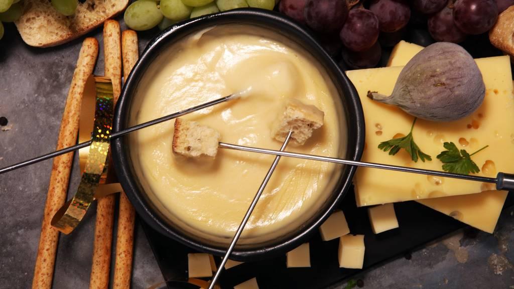 Ist Fondue-Essen während Corona gefährlich?