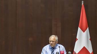 Die Gewerkschaften lassen Volkswirtschaftsminister Johann Schneider-Ammann sitzen. Brüssel zeigt sich unbeeindruckt vom Gesprächsboykott: Die flankierenden Massnahmen bleiben Teil der Verhandlungen.
