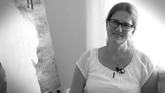 Roni Baerg, Kunsttherapeutin, zuhause in Burg.