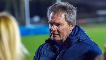 Andreas Zürcher, Trainer der FC Aarau Frauen, wartet mit Anspannung auf die Bekanntgabe des Neunkirch-Entscheids
