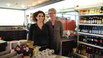 Danièle Turkier und ihre Mutter Katharina Turkier, die momentan noch beide im Restaurant Dreistern arbeiten