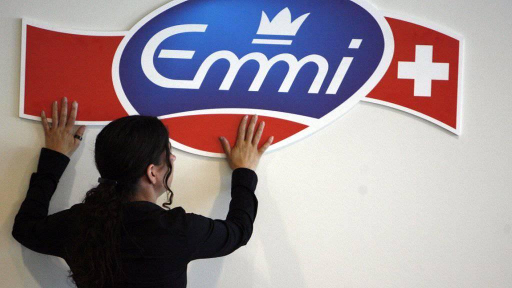Emmi verdient operativ etwas weniger
