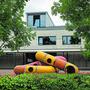 Überwachung gestattet: Auf dem Schulhausareal Schlüechti in Weiningen wird die Gemeinde bald Kameras installieren.