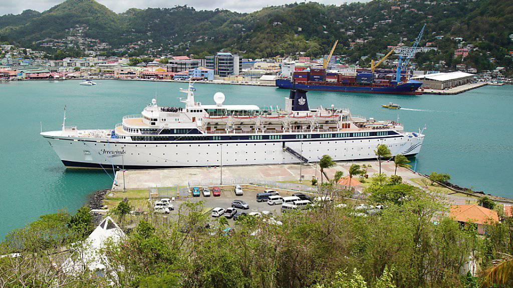Das Kreuzfahrtschiff «Freewind» der Scientology-Organisation ist wegen eines Masernfalles in einem Hafen der Karibikinsel St. Lucia unter Quarantäne gestellt worden.
