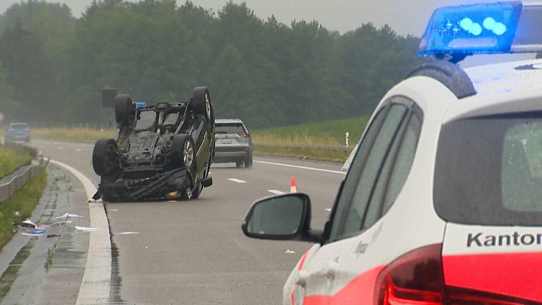 Selbstunfall auf A7: 56-jähriger Lenker mittelschwer verletzt