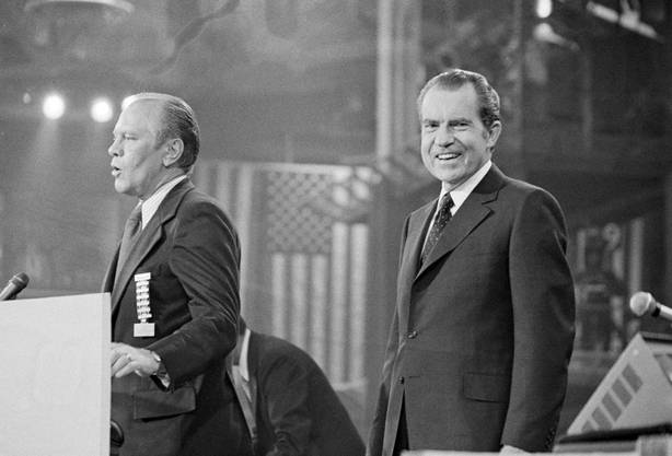 1972 konnte US-Präsident Richard Nixon noch lachen. Nach der Watergate-Affäre 1974 war seine Zeit um. Sein Nachfolger und damaliger Vize - Gerald Ford - begnadigte Nixon. Macht dies Biden auch mit Trump?