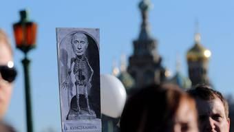 Putin als Skelett.