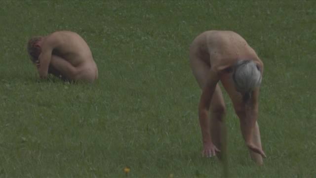 Gericht entscheidet: Keine Bussen für Aargauer Nacktkünstler