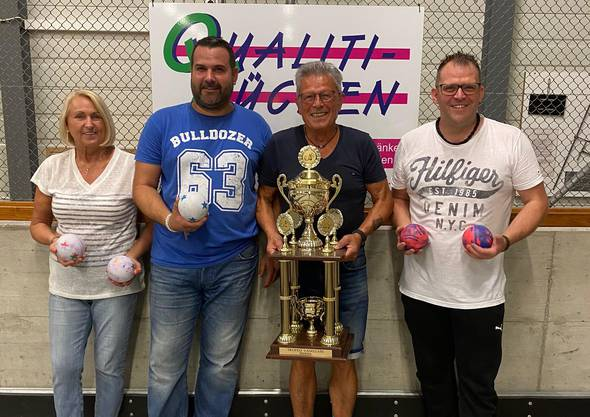 von links: Helga Petriella (3.Platz) Franco Petriella (2.Platz) Donato Cima (1.Platz) Tobi Schürch (3.Platz)