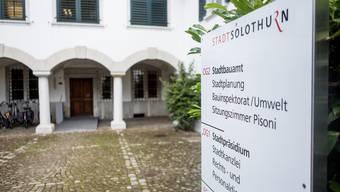 Die Praxis der Wohnsitzpflicht hat in Solothurn eine wechselhafte Geschichte.