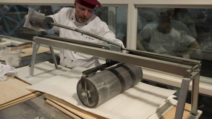 Zürcher Bäcker stellen den Tirggel-Weltrekord auf_008