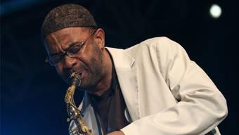 Er ist die kreative Seele im heutigen US-Jazz: Kenny Garrett. Mit seiner Band spielt er am 22. April um 20 Uhr im Stadtcasino Basel eine Saxofon Night.