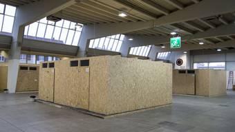 150 Asylsuchende ziehen im Spätsommer vorübergehend in die Halle 9 in Zürich-Oerlikon.
