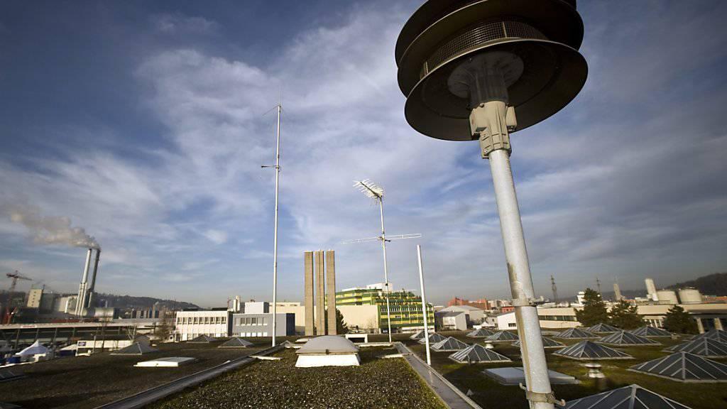 In der ganzen Schweiz ertönen am Mittwochnachmittag wieder die Sirenen. Der Test am 7. Februar war fehlerhaft.