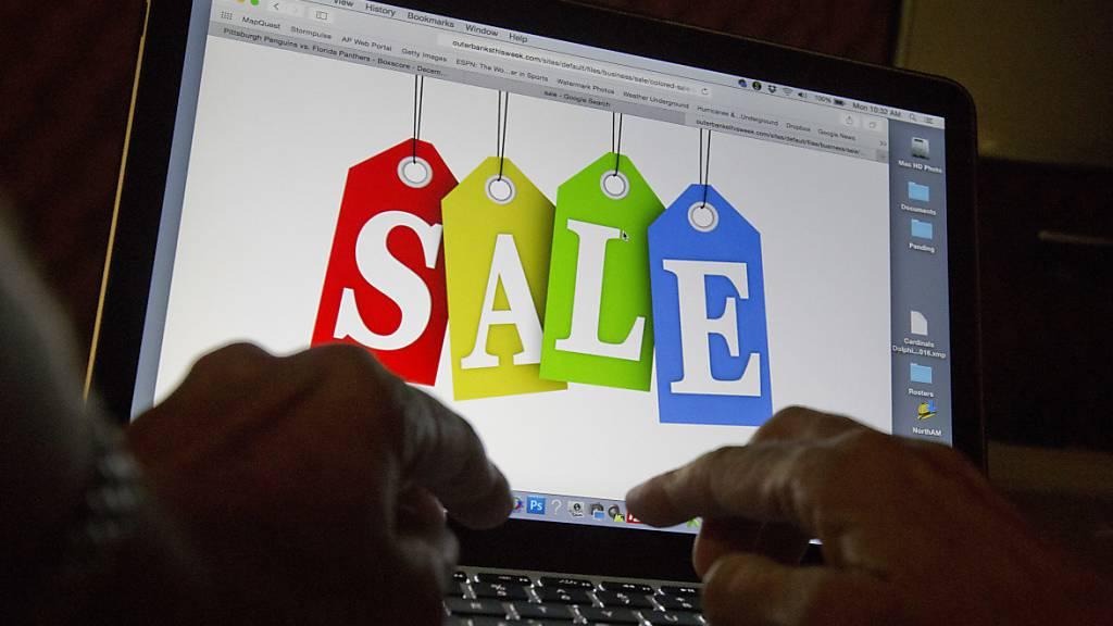 Zwei Drittel wollen am Black Friday online einkaufen