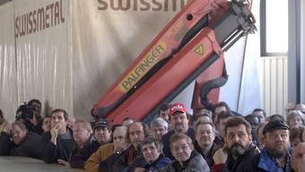 Streikende Arbeiter bei Swissmetal in Reconvilier (Archiv)