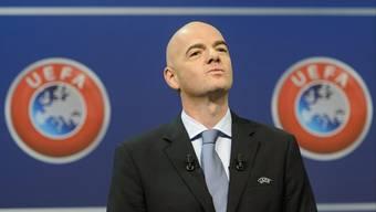Uefa-Generalsekretär Gianni Infantino hat seine Kandidatur als Fifa-Präsident eingereicht.