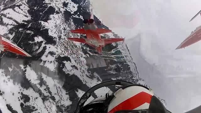 Eindrücke von den Trainingsflügen für die Show in Wengen und weitere Bilder aus den Patrouille-Suisse-Cockpits.