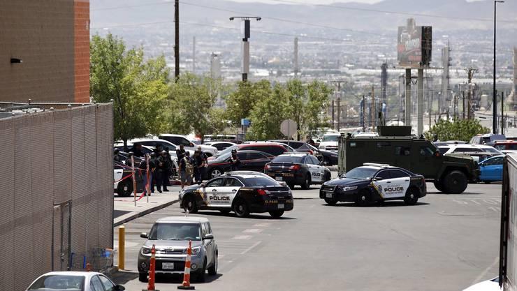 Bei dem Schusswaffenangriff im Einkaufszentrum in El Paso sind mehrere Menschen getötet worden.