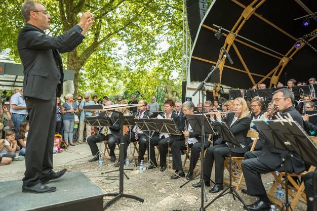 """Die """"Wassermusik für Brunnen und Blasorchester"""" komponierte Benedikt Hayoz extra für die Badenfahrt."""